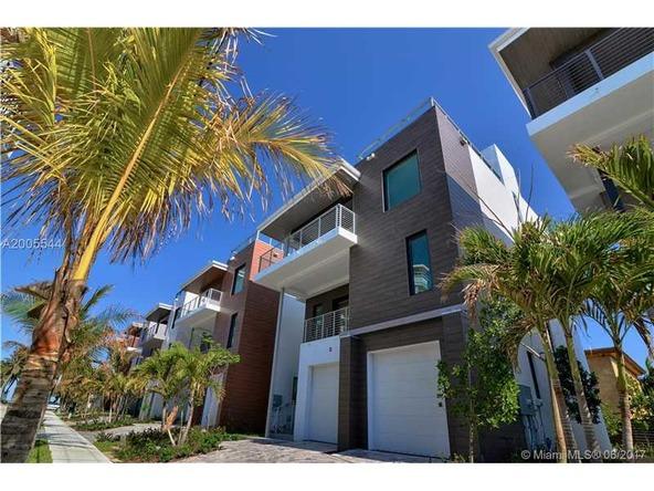 346 Balboa St., Hollywood, FL 33019 Photo 3