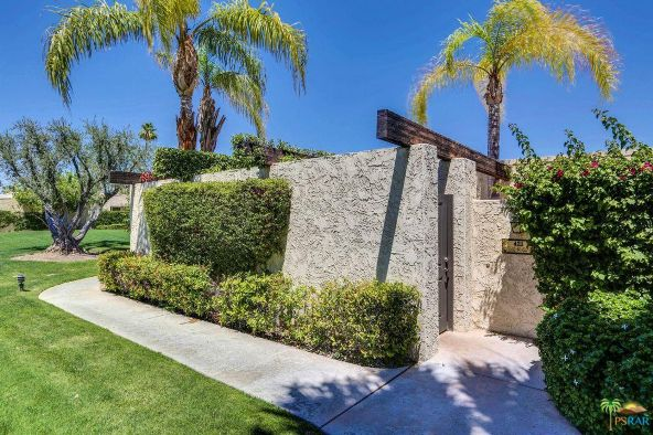 421 N. Calle Rolph, Palm Springs, CA 92262 Photo 2