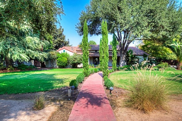 5455 E. Ln. Avenue, Fresno, CA 93727 Photo 11