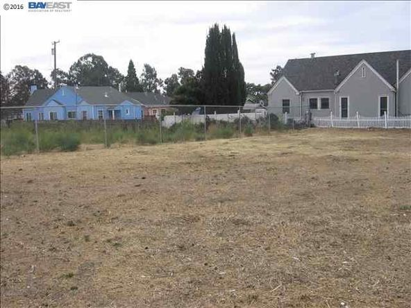 8201 E. Macarthur Blvd., Oakland, CA 94605 Photo 1