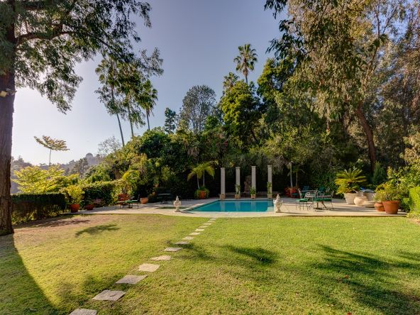 2656 Aberdeen Avenue, Los Angeles, CA 90027 Photo 43