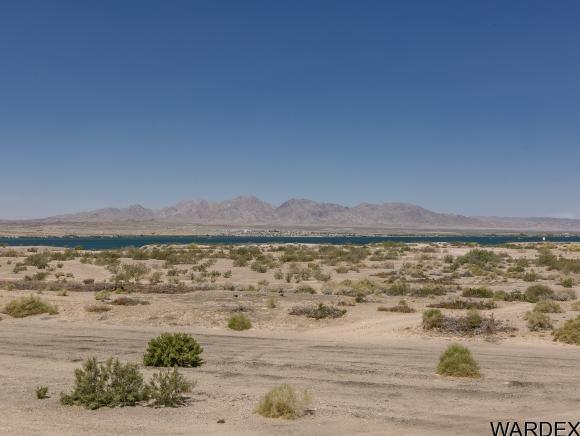 600 Grand Island Dr., Lake Havasu City, AZ 86403 Photo 3