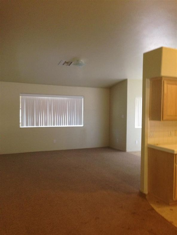 2703 S. 37 Dr., Yuma, AZ 85364 Photo 4