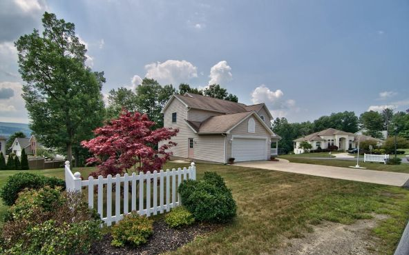 300 Skyline Dr., Archbald, PA 18403 Photo 8