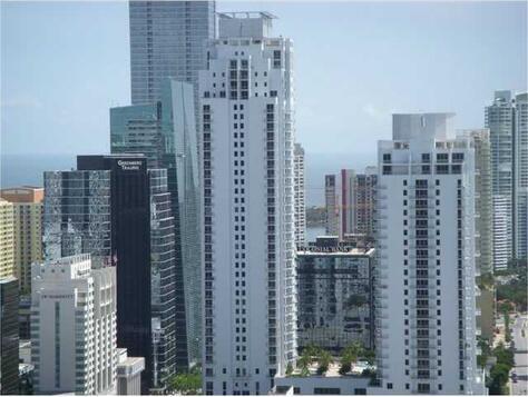 Miami, FL 33131 Photo 2