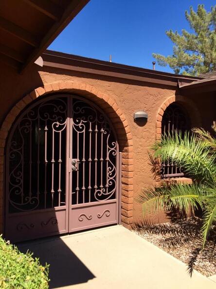 512 E. Canterbury Ln., Phoenix, AZ 85022 Photo 2