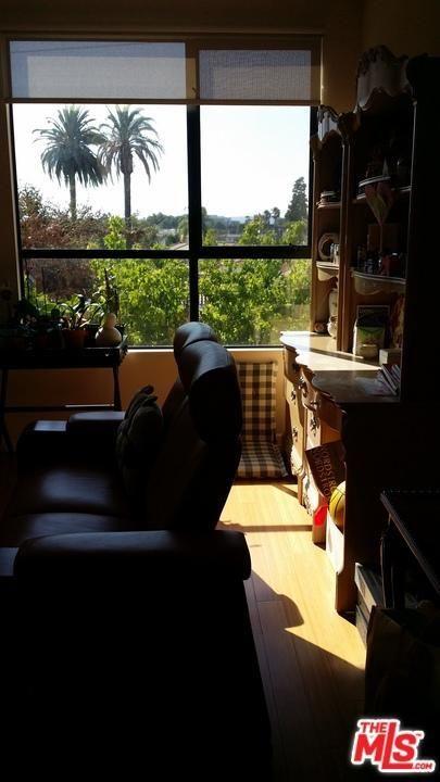 871 Crenshaw, Los Angeles, CA 90005 Photo 3