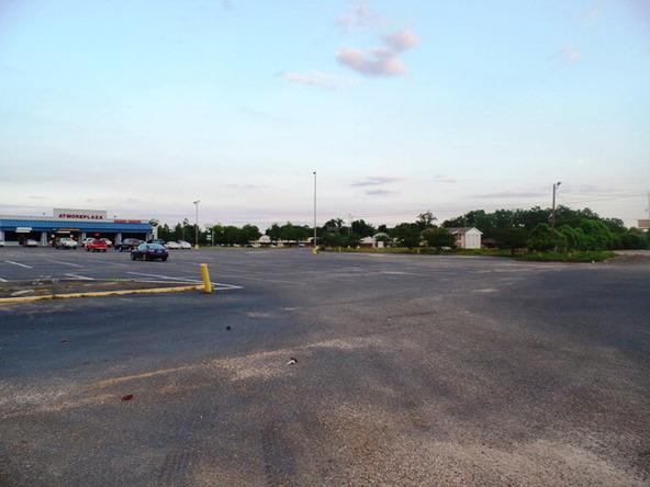 120 Lindberg Avenue, Atmore, AL 36502 Photo 3