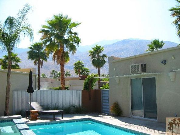 668 Dunes Ct., Palm Springs, CA 92264 Photo 2