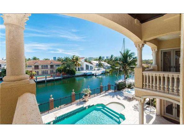 North Miami Beach, FL 33160 Photo 24