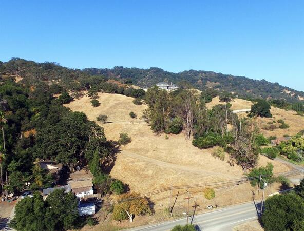 20201 Almaden Rd., San Jose, CA 95120 Photo 4