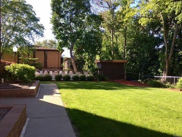 10 Oakwood Terrace, Unit #20, New Windsor, NY 12553 Photo 12
