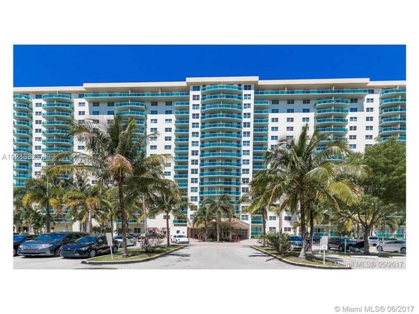 19390 Collins Ave. # 527, Sunny Isles Beach, FL 33160 Photo 2