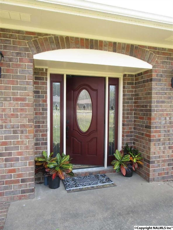 2304 Mountbrook Dr. S.E., Decatur, AL 35601 Photo 3