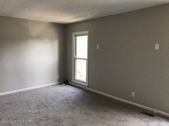 10506 Burns Ct., Louisville, KY 40223 Photo 12