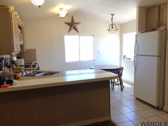 2537 E. Red Barrel Dr., Yucca, AZ 86438 Photo 2