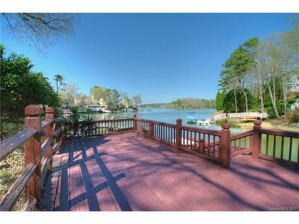 16027 Riverpointe Dr., Charlotte, NC 28278 Photo 3