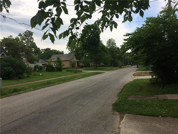 411 N.W. 4th St., Bentonville, AR 72712 Photo 3
