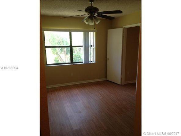 842 N.E. 209th St. # 201, Miami, FL 33179 Photo 1