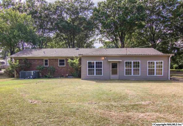 1806 Corrine Avenue S.W., Decatur, AL 35601 Photo 5