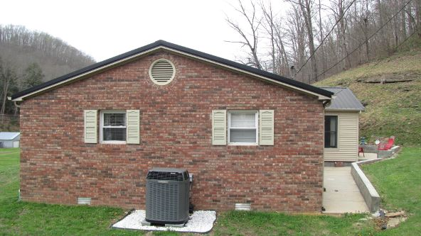 8273 S. Hwy. 421, Manchester, KY 40962 Photo 25
