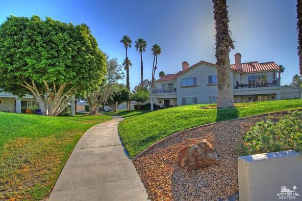 299 Vista Royale Cir. West, Palm Desert, CA 92211 Photo 3