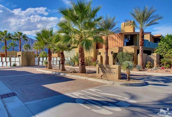 433 North Avenida Caballeros, Palm Springs, CA 92262 Photo 10