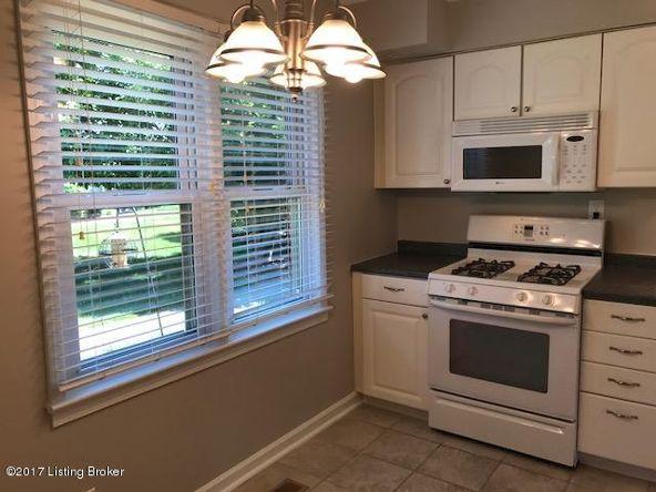 10506 Burns Ct., Louisville, KY 40223 Photo 6