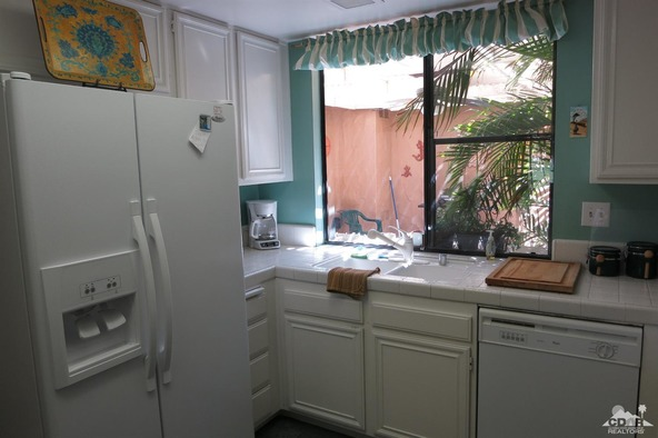 128 Gran Via, Palm Desert, CA 92260 Photo 8