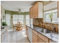 Home for sale: 5 Parkridge Ct., Huntington, NY 11743