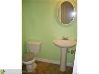 Home for sale: 651 Kensington Pl. 101, Wilton Manors, FL 33305