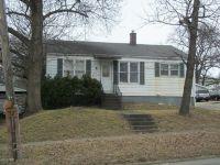 Home for sale: 414 W. Poplar St., Harrisburg, IL 62946