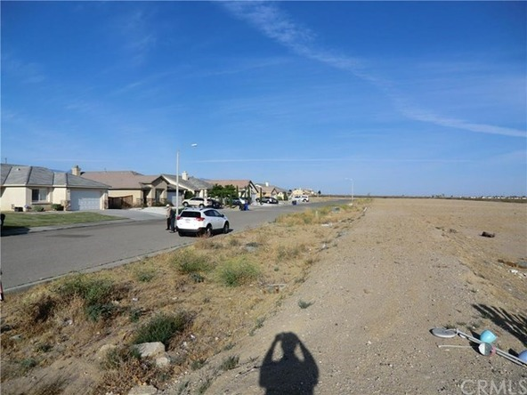 11838 Far Hills Ln., Victorville, CA 92392 Photo 4