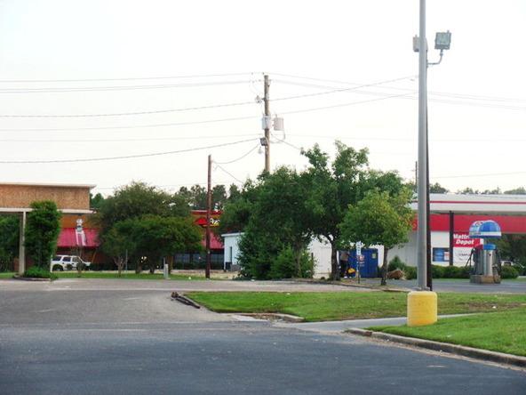 120 Lindberg Avenue, Atmore, AL 36502 Photo 12