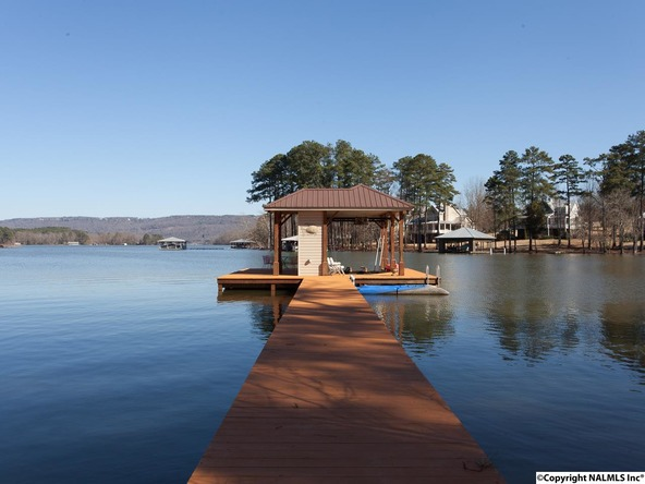 1104 Peninsula Dr., Scottsboro, AL 35769 Photo 2