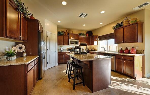 9112 Holyoke Dr., Bakersfield, CA 93313 Photo 1