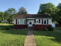 Home for sale: 1300 Swanson Blvd., Fayetteville, TN 37334