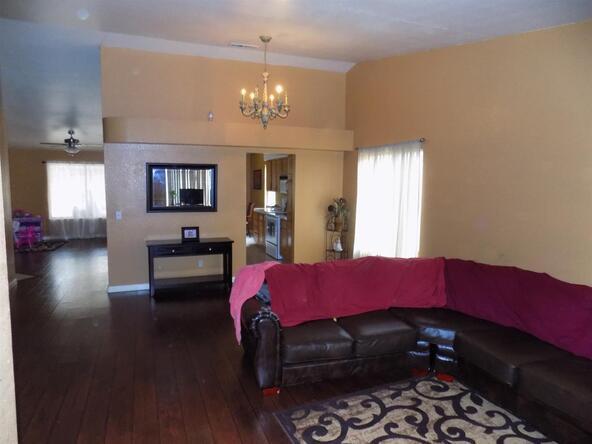5630 W. Richert Avenue, Fresno, CA 93722 Photo 6