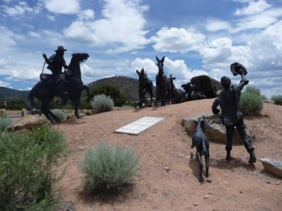354 Calle Loma Norte, Santa Fe, NM 87501 Photo 29