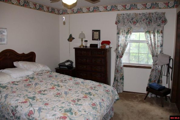 2404 Russell Ln., Mountain Home, AR 72653 Photo 7