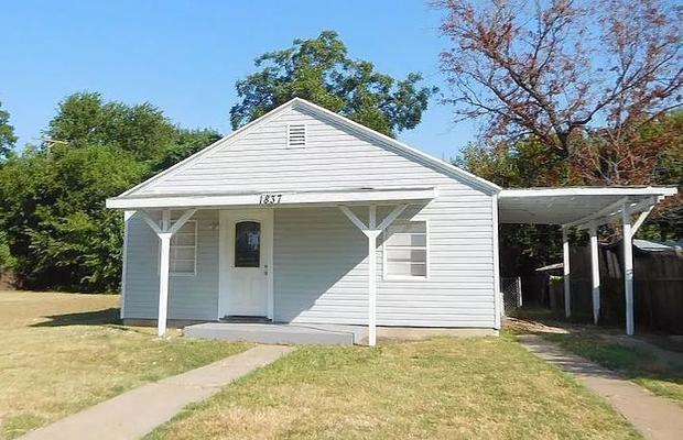 Carver, Fort Worth, TX 76102